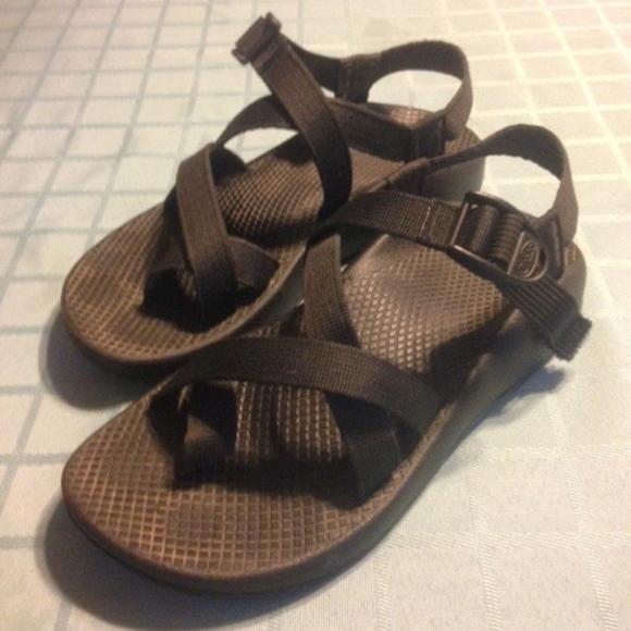 280a5cdb37a2 z2 Chacos Black Strappy W7 Womens Sandals
